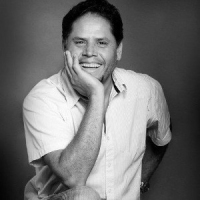 Anand Dilvar - Foto autore