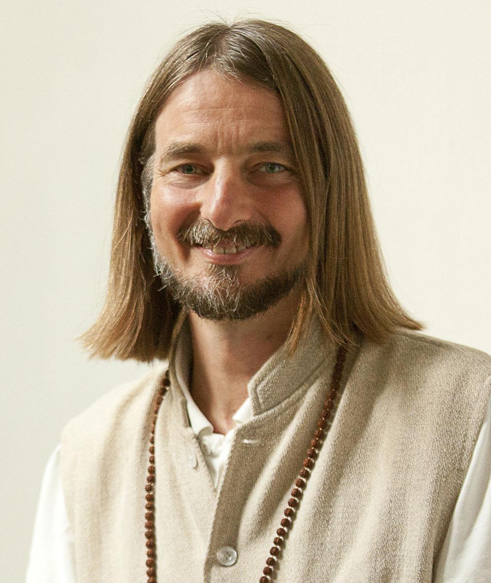 Jayadev Jaerschky - Foto autore
