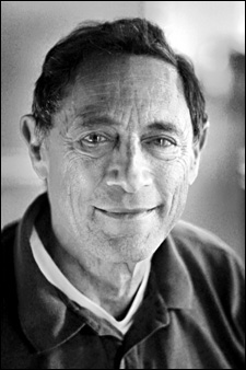 John E. Mack - Foto autore