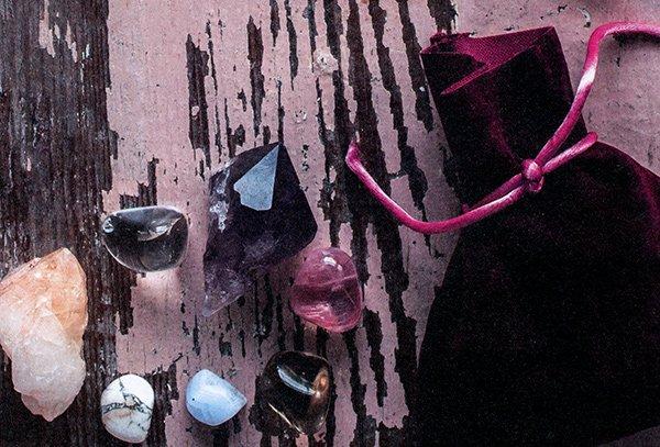 Magia in 5 Minuti per la Strega Moderna - pietre e cristalli