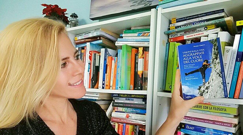 """Barbara ha intervistato Andrea Grieco, autore del libro """"Visioni sulla Vita - Aggrappati alla Voce del Cuore""""."""
