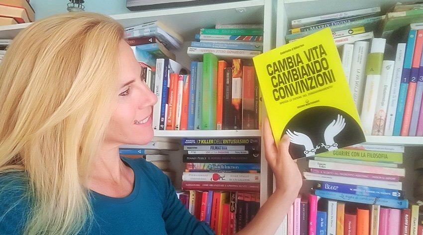 """Barbara ha intervistato Gabriella D'Albertas, autrice del libro """"Cambia Vita Cambiando Convinzioni""""."""