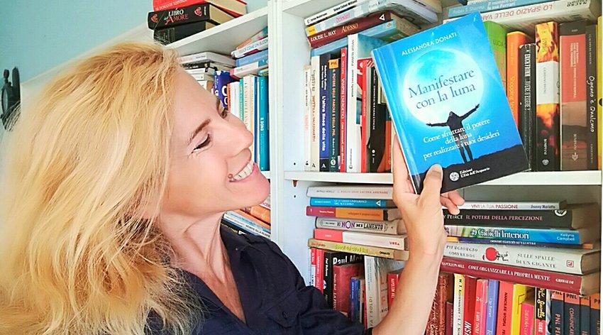 """Barbara ha intervistato Alessandra Donati, autrice del libro """"Manifestare con la Luna""""."""