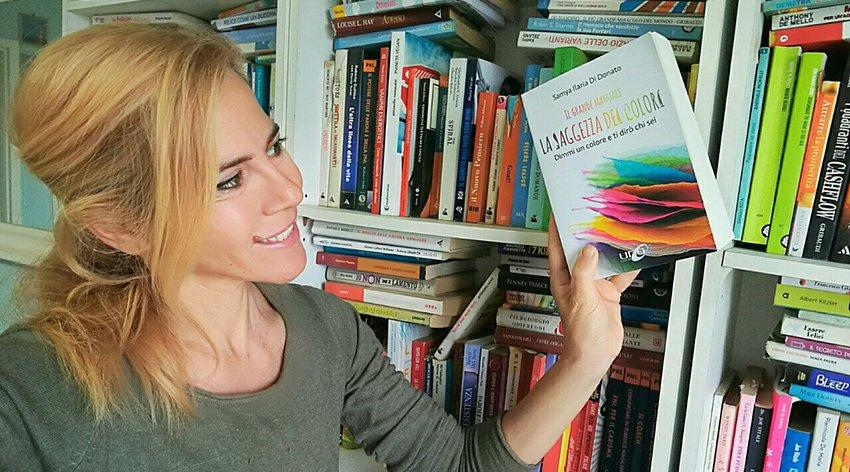 """Barbara ha intervistato Samya Ilaria Di Donato, autrice del libro """"Il Grande Manuale - La Saggezza dei Colori""""."""