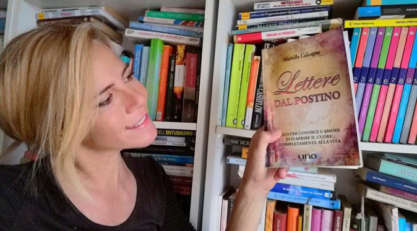 """Leggi l'intervista di Barbara a Mariella Calcagno, autrice del libro """"Lettere dal Postino""""."""