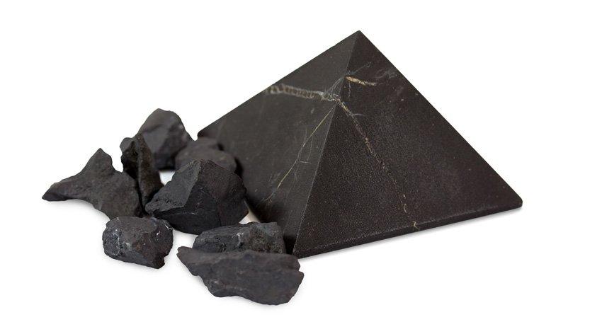 Shungite - Pietra nera con proprietà benefiche e curative