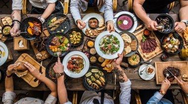 Scopri qual'è la Giusta Alimentazione e il Cibo più Adatto per ogni Età