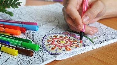 Libri da colorare per adulti: ecco perché tutti li vogliono!